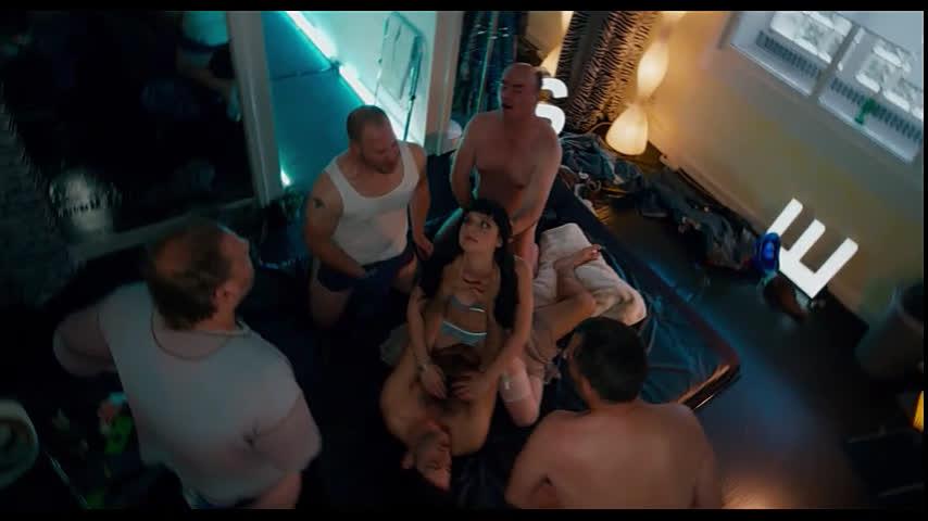 Девушку стошнило во время секса