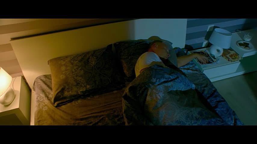 Жена спит а муж подглядывает за подругой смотреть онлайн59